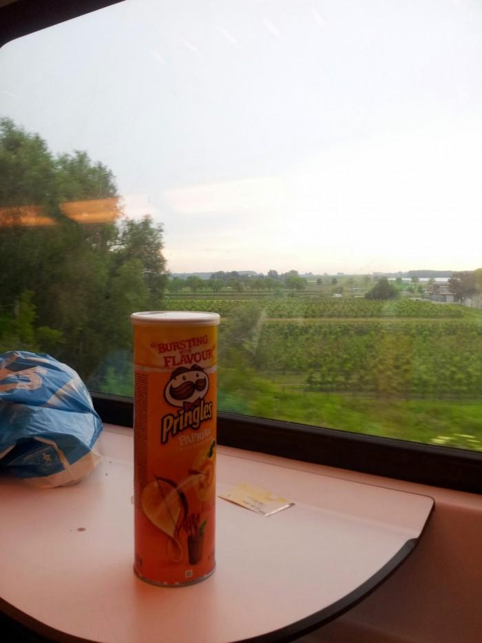 Pringles in de trein